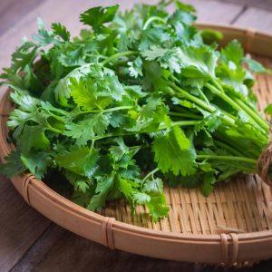 Un estudio revela el mecanismo detrás de los beneficios del cilantro