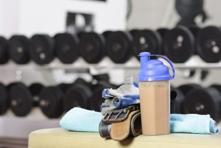 Los batidos de proteínas para la formación de músculos pueden amenazar la salud