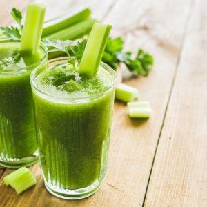 ¿El jugo de apio puede ayudarle a perder peso?