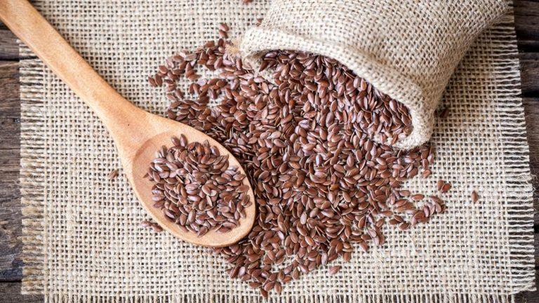 ¿Cuál es la mejor manera de moler semillas de lino?