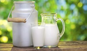 ¿La leche alivia la acidez estomacal?