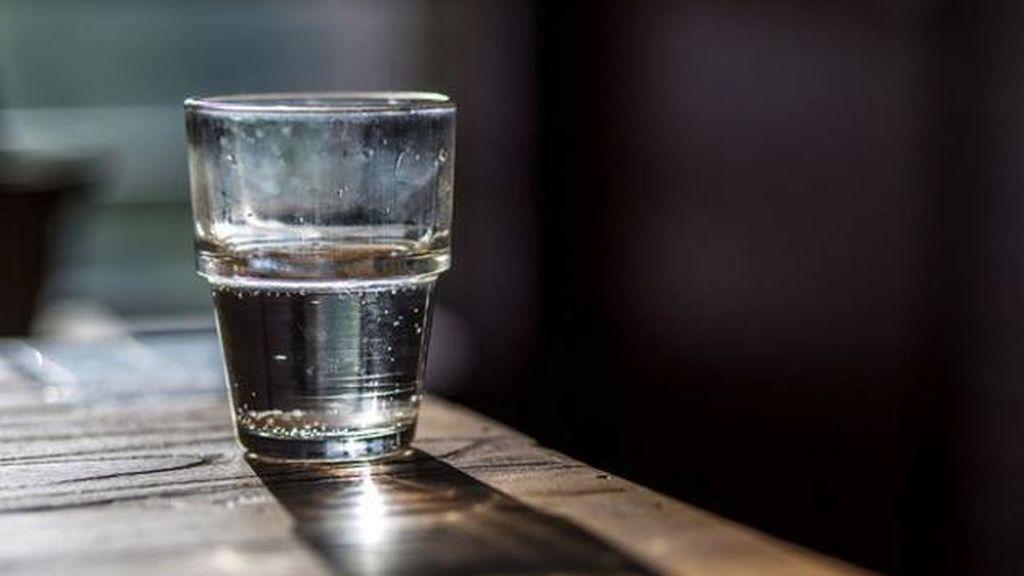 8 vasos de agua al día esta navidad