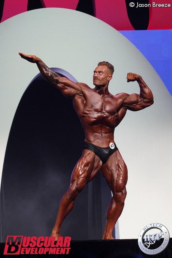 Chris Bumstead, vainqueur en Classic Physique